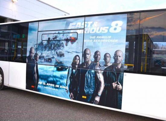 Buswerbung TrafficBoard 18/1, Werbung für Blockbuster Fast & The Furious 8.