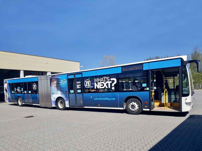 Buswerbung Gelenkbus Ingolstadt der Zukunft-Mobility-GmbH